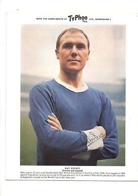 Football-Trade-card-Typhoo-world-cup-1966-Ray-Wilson-England-Everton.jpg